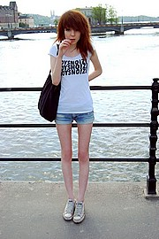 anorexicdollsinaction06.jpg