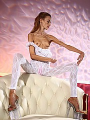 beautiful-anorexic-inna11.jpg