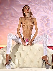 beautiful-anorexic-inna13.jpg