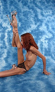 flexible_anorexic_girl11.jpg