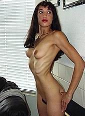 skinnyhotties08.jpg