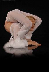 contortion girl Zlata in flexi poses from Zlata