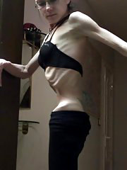 Anorexic girl Stella from skinnyfans.com